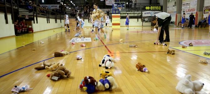 Teddy Bear Toss, i peluche saranno donati al reparto di Pediatria dell'Ospedale di Città di Castello